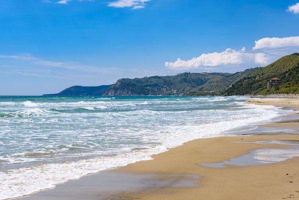 Am Strand von San Mauro Cilento, Kampanien / Italien