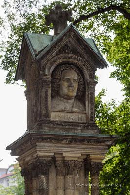 Bach Denkmal vor der Thomaskirche, Leipzig