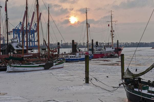 Museumshafen Övelgönne im Winter