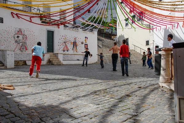 Spielende Kinder, Lissabon