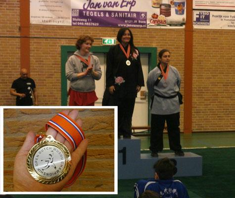 Goldmedaille und Titelgewinn bei den Internationalen Niederl. Meisterschaften 2015 trad. Taiji Handform