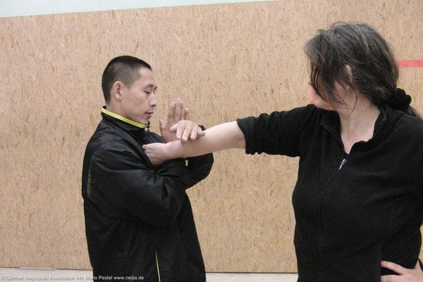 Quinna mit Meister Chen Ziqiang