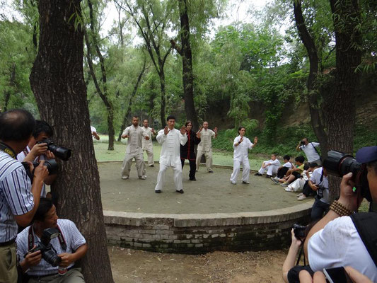Vorführung für Presse und Provinzregierung mit Meister Chen Bing in Chenjiagou 2013