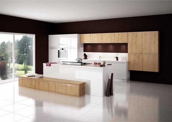 Cuisine Lauvie Menuiserie Cristal blanc et Cottage chêne du Jura équipée hotte verticale