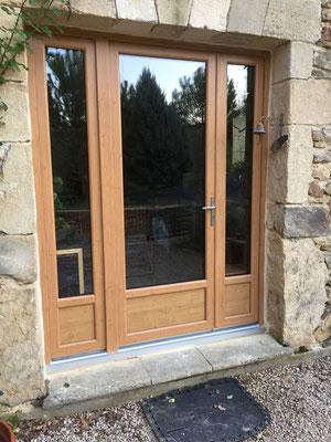 Porte-fenêtre PVC, LAUVIE Menuiserie, 1 vantail avec semi fixe, plaxé chêne irlandais