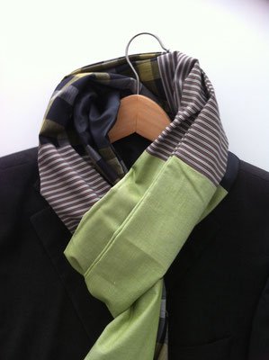 Schal grün. Upcycling.