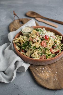 Caesar - Pasta - Salat; Rezept & Foto: Knusperstübchen