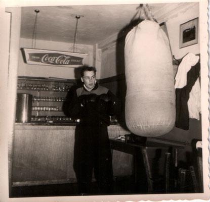 Rolf Eichenauer (die Sandsäcke waren fast doppelt so schwer und härter als die heute)