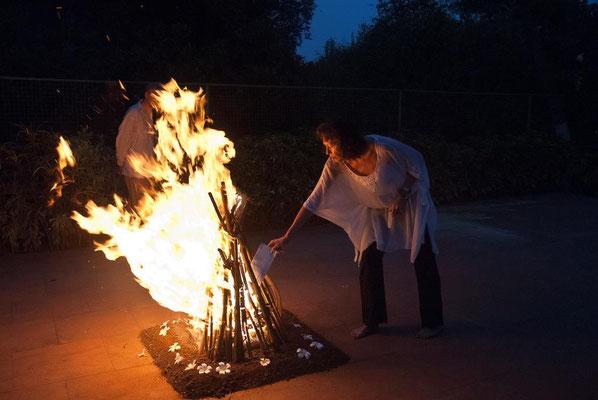 zum Abschluss eine Feuerzeremonie