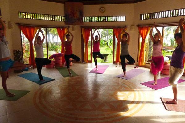am Morgen eine Yogaeinheit