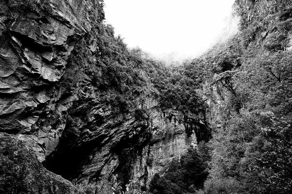 Schwarz-Weiß-Fotoprojekt by Thomas Heck, Grafikdesigner, Karlsruhe – Harwoods Hole New Zealand