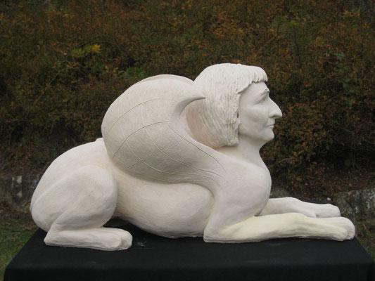 Sphinx von Juli Kovacs, Gipsguss, 2011 (#814)