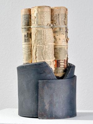 Stahl und Papier 1 | 32x17x17 cm