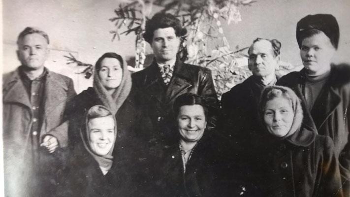 Коллектив учителей Чернышевской восьмилетней школы