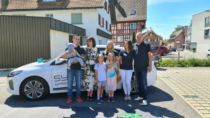 Symbiofit Familie mit Bürgermeisterin Evi Mair aus Hard