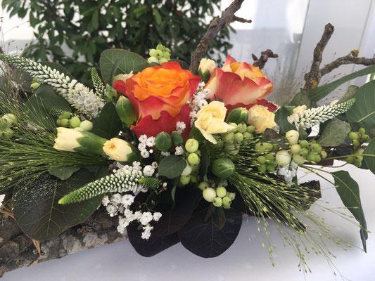 Blumenarrangement im VIP Bereich