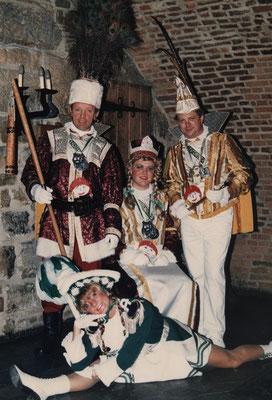 Dreigestirn 1987: Prinz Franz Pfaff (Franz I.), Bauer Willi Huppertz, Jungfrau Lars Göhring