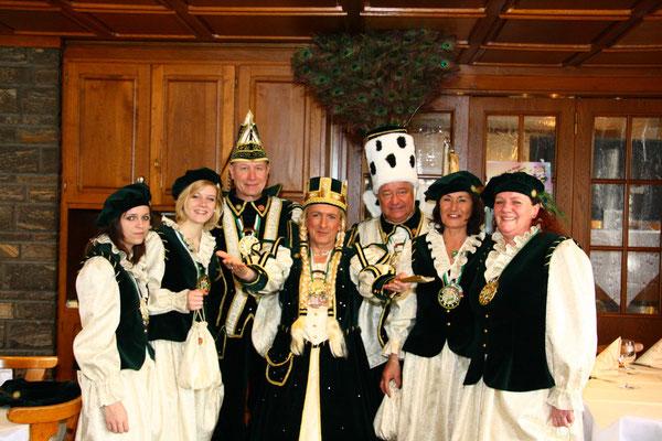 Dreigestirn 2011: Prinz Georg I. (Cischatko), Bauer Hans (Evers), Jungfrau Johanna (Johann Hellebrandt)