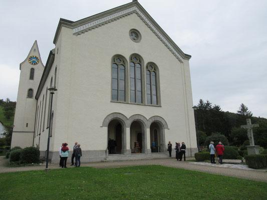 """Der """"Konzertsaal"""": Die Kath. Kirche im aargauischen Zufikon"""