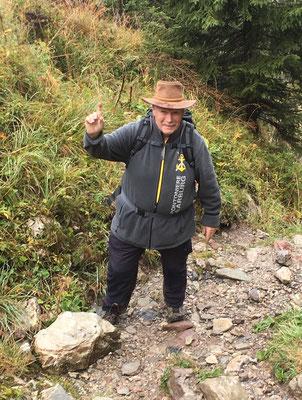 ...... Zunftmeister Bernhard Wullschleger erklimmen den Berg gemeinsam.