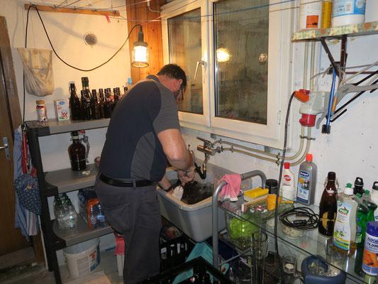 Flaschen waschen