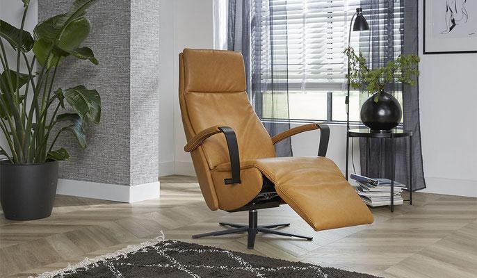 Relaxfauteuil (sta-op stoel) TW-218
