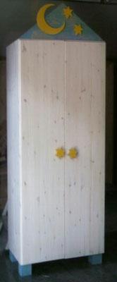 Kinderschrank, Holzart Kiefer, Oberfläche pigmentierter Wachs