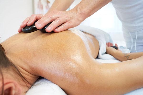 wohltuende Hot Stone Massage in der Gesundheits-Oase im idyllischen Baldingen, Nähe von Bad Zurzach, Lengnau, Döttingen