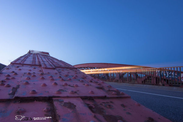 Blaue Stunde auf der alten Levensauer Hochbrücke