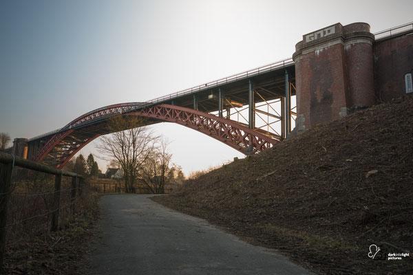 Alte Levensauer Hochbrücke bei Sonnenuntergang