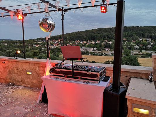 DJ im Saale Unstrut Gebiet - wunderschöne Hochzeit am Weinberg
