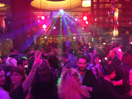 mega- Party im Barfusz Leipzig