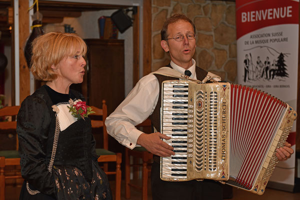17.10.2015 / 30e anniversaire de la section / Jodelduett Schurch