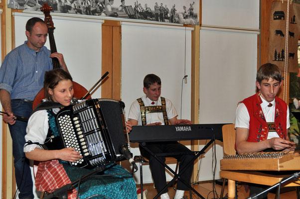 07.11.2010, 13ème dimanche folklorique, Marin, Geschwister Signer, Eggerstanden, Appenzell