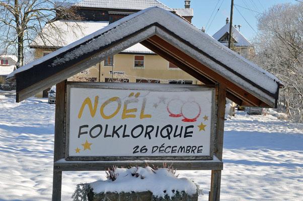 26.12.2010, Noël de Cortébert, affichage à l'entrée du village