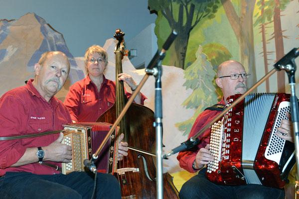 21e Noël folklorique de Cortébert / 26.12.2013 / Trio Alfra, Posieux (FR)