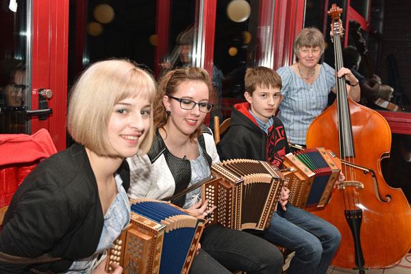 """2016.01.16/ Prestations musicales de l'AG assurées par """"L'Echo du Petit-Val"""""""