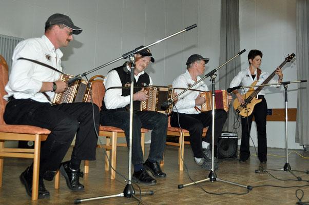 03.10.2010, Dimanche folklorique, Charmoille, Schwyzerorgeliplausch Grolimund / Fehren
