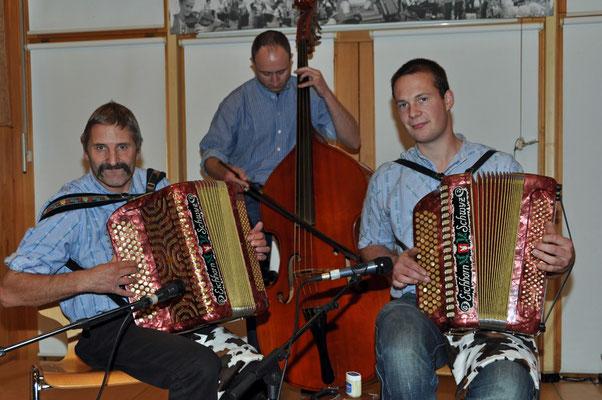 07.11.2010, 13ème dimanche folklorique, Marin, Ländlertrio Chaschtätörli, Alikon (SZ