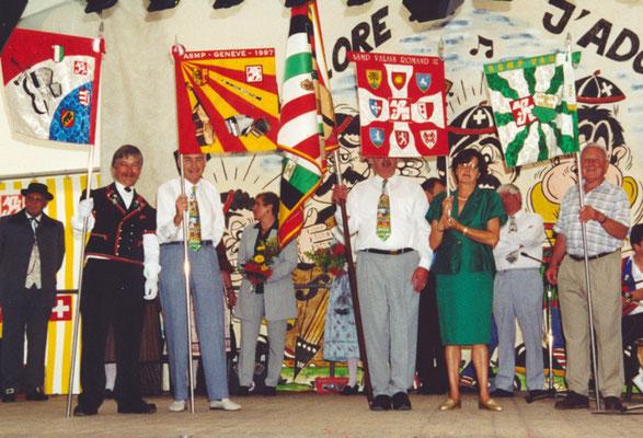1999 Les bannières des sections romandes