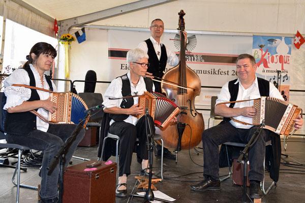 FF2015 à Aarau, l'orchestre Guardaval au Kiosque à Musiques diffusé sur RSR1 / Photo: CS