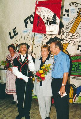 1999 Inauguration de la bannière au Peu-Péquignot /bannière côté A