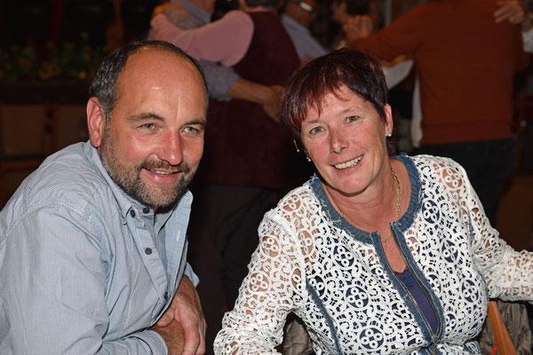 17.10.2015 / 17.10.2015 / 30e anniversaire de la section / Martin et Judith, vice-présidente du comité central