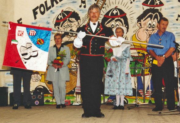 1999 Rudolf Spycher, porte-drapeau.