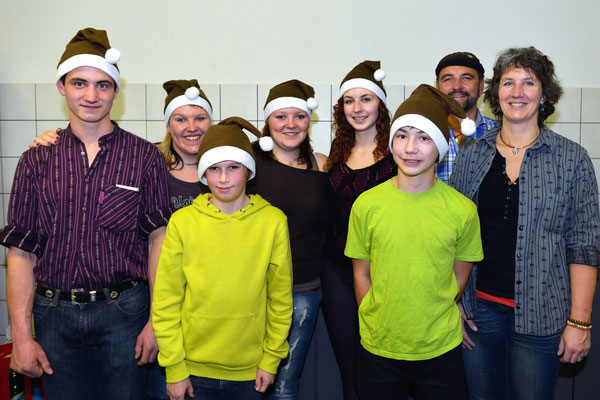 21e Noël folklorique de Cortébert / 26.12.2013 / Les organisateurs: famille Tschan et quelques aides
