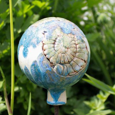 Rosenkugel in blau und weiß