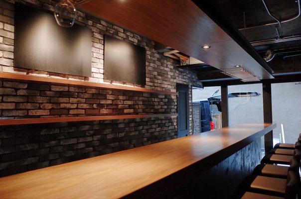 以前は和風立ち飲み店 ワインバーに改装しました。