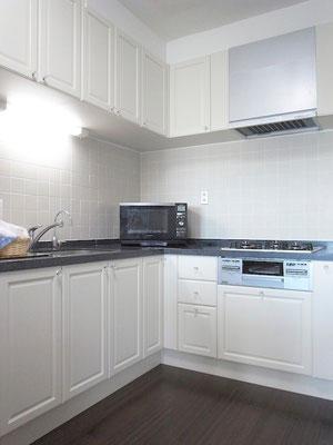 リフォーム システムキッチン 新設 無垢材 インパクト