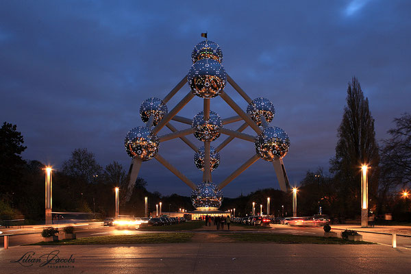 Brussels by night, Atonium