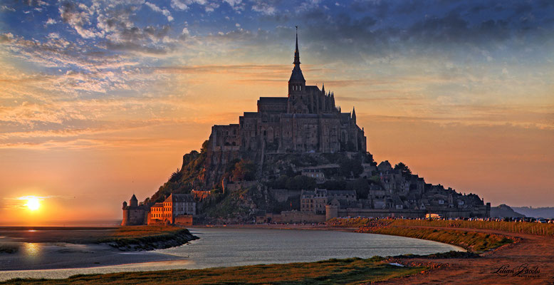 Sunset Mont Ste Michel